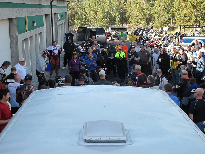 Pre-ride meeting at the 2014 Giant Loop ride